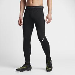 Мужские футбольные брюки Nike Strike FlexМужские футбольные брюки Nike Strike Flex из легкой сверхэластичной ткани с водоотталкивающим покрытием защищают от влаги и дарят комфорт и свободу движений на поле.<br>