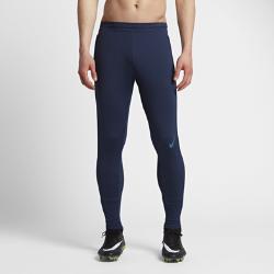 Мужские футбольные брюки Nike Strike FlexМужские футбольные брюки Nike Strike Flex из легкой сверхэластичной ткани с водоотталкивающим покрытием защищают от влаги и дарят комфорт и свободу движений на поле.  Высокая эластичность  Эластичная ткань Nike Flex повторяет движения тела для высоких результатов. При растяжении ткани становится виден цветовой акцент, который позволяет создать уникальный образ.  Легкость и вентиляция  Заниженный пояс Flyvent для превосходной воздухопроницаемости и надежной посадки.  Свобода движений  Зауженные штанины с цельным кроем в нижней части обеспечивают полную свободу движений даже при беге на максимальной скорости.<br>