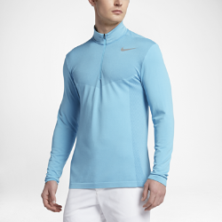 Мужская футболка для гольфа с длинным рукавом и половинной молнией Nike Dry KnitМужская футболка для гольфа с длинным рукавом и половинной молнией Nike Dry Knit из эластичной дышащей ткани обеспечивает невесомую защиту от холода и не стесняет движений.<br>