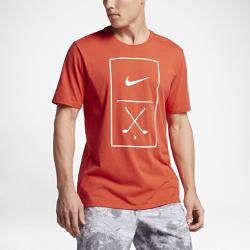 Мужская футболка Nike Golf GraphicМужская футболка Nike Golf Graphic из мягкой влагоотводящей ткани обеспечивает длительный комфорт на поле и за его пределами.<br>