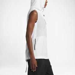 Женский жилет Nike Sportswear Tech HypermeshЖенский жилет Nike Sportswear Tech Hypermesh из дышащей ткани с молнией до середины груди и плиссировкой на молнии сзади, открывающими вставки из сетки, обеспечивает вентиляциюи комфорт.<br>