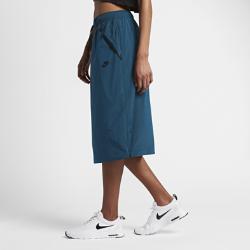 Юбка Nike Sportswear Tech HypermeshЮбка Nike Sportswear Tech Hypermesh из гладкой переливающейся тафты с боковыми сетчатыми вставками на молнии обеспечивает регулируемую защиту и вентиляцию.<br>