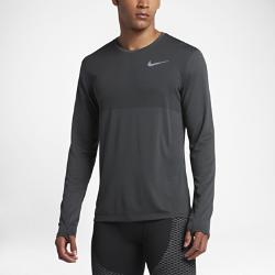 Мужская беговая футболка с длинным рукавом Nike Zonal Cool RelayМужская беговая футболка с длинным рукавом Nike Zonal Cool Relay с сеткой по всей поверхности обеспечивает воздухопроницаемость и комфорт на любой пробежке.<br>