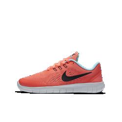Беговые кроссовки для школьников Nike Free RNБеговые кроссовки для школьников Nike Free RN обеспечивают максимально естественные движения стопы благодаря полностью обновленной подошве Nike Free, которая сжимается ирасширяется при каждом шаге.<br>