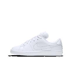 Кроссовки для школьников Nike Tennis Classic Premium (3.5Y–7Y)Кроссовки для школьников Nike Tennis Classic Premium в ретро-стиле с верхом из высококачественной кожи обеспечивают амортизацию для комфорта в течение всего дня.<br>