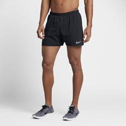 Мужские беговые шорты Nike Distance 12,5 смЛегкие мужские беговые шорты Nike Distance 12,5 см с подкладкой обеспечивают охлаждение в жаркую погоду на любой дистанции.  Создано для движения  Эластичная и гладкая ткань Nike Flex повторяет движения тела, помогая достигать высоких результатов.  Прохлада и комфорт  Подкладка обеспечивает поддержку и вентиляцию, защищая от перегрева. Вставки с перфорацией спереди и сзади для охлаждения.  Удобные карманы  Сзади на правом бедре расположен карман на молнии для защиты телефона, мелочи и ключей от влаги. Передние карманы и дополнительный прорезной карман сзади слева подходят для хранения мелочей.<br>