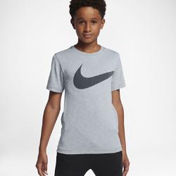 Футболка для тренинга для мальчиков школьного возраста Nike BreatheФутболка для тренинга для мальчиков школьного возраста Nike Breathe из мягкой влагоотводящей ткани обеспечивает вентиляцию и комфорт во время тренировок.<br>