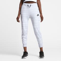 Женские брюки из трикотажного материала Nike Sportswear Advance 15Женские брюки из трикотажного материала Nike Sportswear Advance 15 дополнены современными деталями: мягкая трикотажная ткань джерси, скрытые карманы, слегка зауженный крой илаконичные линии силуэта.<br>