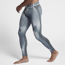 Мужские тайтсы для тренинга Nike Pro HyperWarmМужские тайтсы для тренинга Nike Pro HyperWarm сочетают влагоотводящую термоткань и систему вентиляции в зонах повышенного тепловыделения, обеспечивая тепло без перегрева во время тренировок и соревнований.  ОТВЕДЕНИЕ ВЛАГИ И КОМФОРТ  Технология Dri-FIT отводит влагу от кожи на поверхность ткани, обеспечивая комфорт во время тренировки.  ОПТИМАЛЬНАЯ ВОЗДУХОПРОНИЦАЕМОСТЬ  Вставки из прочной сетки обеспечивают зональную вентиляцию и комфорт в самые интенсивные моменты тренировки. Особые узелки на поясе создают пространство между тканью и твоей кожей, повышая циркуляцию воздуха.  ТОЧНОСТЬ ДВИЖЕНИЙ  Плотно прилегающий эластичный пояс фиксирует посадку, а эластичная ткань и плоские швы обеспечивают комфорт и свободу движений в любом направлении.<br>