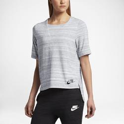 Женская футболка с коротким рукавом Nike Sportswear Advance 15Женская футболка с коротким рукавом Nike Sportswear Advance 15 из мягкой смесовой ткани с удлиненной сзади нижней кромкой обеспечивает длительный комфорт и защиту.<br>