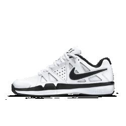 Мужские теннисные кроссовки Nike Air Vapor Advantage LeatherМужские теннисные кроссовки Nike Air Vapor Advantage Leather обеспечивают свободу движений без утяжеления даже на высокой скорости. Полноразмерная подметка из износостойкой резины для оптимального сцепления разными типами поверхности и прочности даже при изменении направления.<br>
