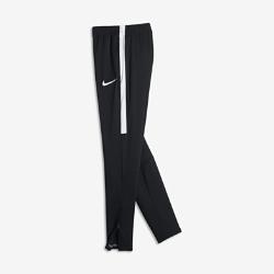 Футбольные брюки для школьников Nike Dry AcademyФутбольные брюки для школьников Nike Dry Academy из влагоотводящей ткани обеспечивают вентиляцию и комфорт на поле благодаря облегающему крою.<br>