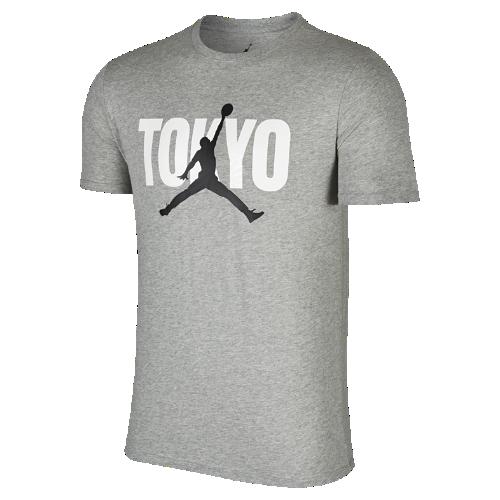 <ナイキ(NIKE)公式ストア> NEW 【ナイキ直営店 / Nike.com限定カラー】 ジョーダン バック イン TOKYO メンズ Tシャツ 839887-063 グレー 会員は送料無料
