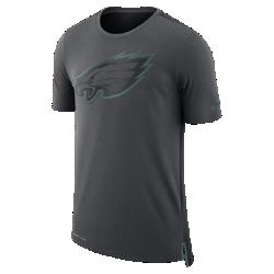 Мужская футболка Nike Dry Travel (NFL Eagles)Мужская футболка Nike Dry Travel (NFL Eagles) из мягкой влагоотводящей ткани украшена клубным логотипом.<br>