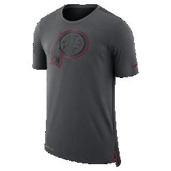 Мужская футболка Nike Dry Travel (NFL Redskins)Мужская футболка Nike Dry Travel (NFL Redskins) из мягкой влагоотводящей ткани украшена клубным логотипом.<br>