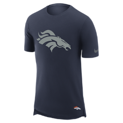 Мужская футболка Nike Enzyme Droptail (NFL Broncos)Мужская футболка Nike Enzyme Droptail (NFL Broncos) из ультрамягкого хлопка украшена клубными деталями.<br>