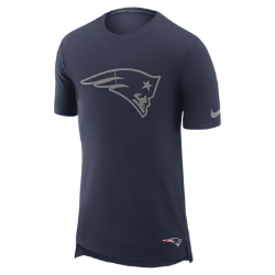Мужская футболка Nike Enzyme Droptail (NFL Patriots)Мужская футболка Nike Enzyme Droptail (NFL Patriots) из ультрамягкого хлопка украшена клубными деталями.<br>