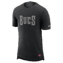 Мужская футболка Nike Enzyme Droptail (NFL Buccaneers)Мужская футболка Nike Enzyme Droptail (NFL Buccaneers) из ультрамягкого хлопка украшена клубными деталями.<br>