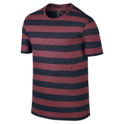 Мужская футболка Nike SB Dry StripeМужская футболка Nike SB Dry Stripe из мягкой влагоотводящей ткани обеспечивает вентиляцию и комфорт на весь день.<br>