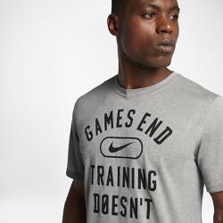 """Мужская футболка для тренинга Nike Dry Legend """"Games End""""Мужская футболка для тренинга Nike Dry Legend """"Games End"""" из мягкой влагоотводящей ткани обеспечивает комфорт на весь день.<br>"""