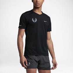 """Мужская беговая футболка Nike Tailwind """"Oregon Project""""Мужская беговая футболка Nike Tailwind """"Oregon Project"""" из дышащей влагоотводящей ткани с фирменными элементами посвящена богатым беговым традициям и обеспечивает комфорт исвободу движений на пробежке.<br>"""