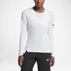 Женская баскетбольная футболка с длинным рукавом Nike Breathe EliteЖенская баскетбольная футболка с длинным рукавом Nike Breathe Elite из легкой дышащей ткани создает ощущение прохлады и обеспечивает комфорт во время разминки и тренировки.  Охлаждение  Дышащая ткань Nike Breathe отводит влагу от кожи и дарит ощущение прохлады во время игры.  Свобода движений  Расположенные под углом плечевые швы и разрезы в нижней кромке не стесняют движений во время бросков, пасов, подборов и скоростных прорывов.  Дополнительная защита  Удлиненная сзади нижняя кромка обеспечивает дополнительную защиту во время бросков. Манжеты особой формы защищают кисти, не мешая контролировать мяч.<br>