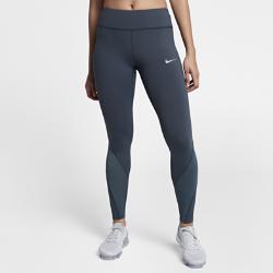 Женские беговые тайтсы Nike Epic Lux 69,5 смЖенские беговые тайтсы Nike Epic Lux 69,5 см из гладкой поддерживающей ткани Nike Power отлично подойдут для пробежек и повседневной жизни.  Плотная удобная посадка  Эластичная ткань Nike Power обеспечивает поддержку и свободу движений. Широкий пояс поддерживает мышцы корпуса во время пробежки и после нее.  Удобное хранение  Задний карман на молнии с защитой ценных мелочей от влаги. Плоский бегунок молнии не мешает при выполнении упражнений на спине. В два небольших кармана на поясе можно быстро убрать мелкие вещи.  Охлаждение и комфорт  Вставки из сетчатой ткани от колен до голени сзади повышают циркуляцию воздуха. Технология Dri-FIT отводит влагу от кожи, обеспечивая комфорт.<br>
