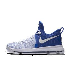 Мужские баскетбольные кроссовки Nike Zoom KD 9Мужские баскетбольные кроссовки Nike Zoom KD 9 с инновационной системой амортизации обеспечивают непревзойденную упругость и контроль, необходимые для универсальной игры.  Амортизация без компромиссов  Вставка Nike Zoom Air в новом исполнении обеспечивает естественность движений и непревзойденную амортизацию. Благодаря уплотнению в области пятки вставка поглощает ударные нагрузки, а более тонкая часть в области носка позволяет лучше контролировать движения.  Великолепная посадка  Верх из эластичного материала Flyknit облегает стопу, обеспечивая идеальную посадку, воздухопроницаемость, комфорт и поддержку в нужных зонах.  Фиксация и поддержка  Пересекающиеся петли для шнурков образуют сетку, которая поддерживает стопу при резких рывках и скоростных прорывах.<br>