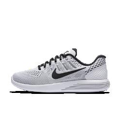 Мужские беговые кроссовки Nike LunarGlide 8Мужские беговые кроссовки Nike LunarGlide 8 обеспечивают поддержку, воздухопроницаемость и невероятно мягкую амортизацию для любых дистанций.  Воздухопроницаемость и комфортная посадка  Сетка Engineered mesh обеспечивает комфорт и воздухопроницаемость, а технология Flywire надежно фиксирует стопу.  Плавность движений и комфорт  Подошва из мягкого материала Lunarlon, обработанная лазером по бокам, сжимается при движении, обеспечивая плавность движений.  Легкость и поддержка  Платформа Dynamic Support обеспечивает комфорт и стабилизацию без утяжеления.<br>