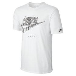 Мужская футболка Nike Cityscape (London)В мужской футболке Nike Cityscape (London) ты можешь заявить о своем городе благодаря рисунку на хлопковой ткани.<br>