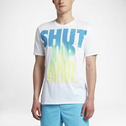 """Мужская футболка для гольфа Nike Fade """"Shut Up and Drive""""Мужская футболка для гольфа Nike Fade """"Shut Up and Drive"""" из мягкой влагоотводящей ткани обеспечивает длительный комфорт.<br>"""