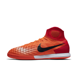 Nike MagistaX Proximo II Indoor/Court Soccer ShoeThe Nike MagistaX Proximo II Indoor/Court Soccer Shoe provides incredible touch and precision control when playing small-sided games, indoors or on the street.<br>
