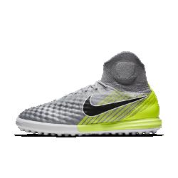 Футбольные бутсы для игры на газоне Nike MagistaX Proximo IIФутбольные бутсы для игры на газоне Nike MagistaX Proximo II обеспечивают непревзойденное касание и точный контроль во время игры в мини-футбол на синтетических покрытиях.<br>