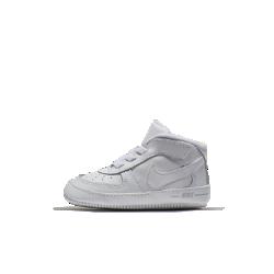 Ботинки для малышей Nike Force 1Ботинки для малышей Nike Force 1 из высококачественной кожи с мягким бортиком обеспечивают комфорт для самых юных атлетов.<br>