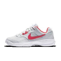 Женские теннисные кроссовки NikeCourt LiteЖенские теннисные кроссовки NikeCourt Lite обеспечивают абсолютный комфорт благодаря первоклассному верху и прочной подметке для игры на кортах с твердым покрытием.<br>