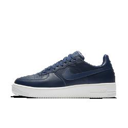 Мужские кроссовки Nike Air Force 1 UltraForce LeatherМужские кроссовки Nike Air Force 1 UltraForce Leather — самая легкая модель в линейке AF1. Продуманное расположение особых полостей в прочной подошве из пеноматериала облегчает обувь и повышает ее гибкость. Кроме того, цельная подошва из пеноматериала значительно снижает вес кроссовок.<br>
