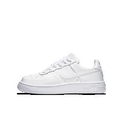 Кроссовки для школьников Nike Air Force 1 UltraНовые кроссовки для школьников Nike Air Force 1 Ultra стали значительно легче оригинальной баскетбольной модели 1982 года благодаря подошве из сверхлегкого пеноматериала.Минималистичный кожаный верх выполнен в классическом стиле линейки AF1.<br>