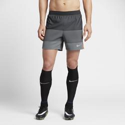 Мужские футбольные шорты Nike AeroSwift CR7 15 смМужские футбольные шорты Nike AeroSwift CR7 15 см с технологией AeroSwift обеспечивают легкость, вентиляцию и оптимальную свободу движений на поле.<br>