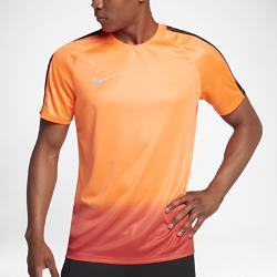 Мужская игровая футболка Nike Dry CR7 SquadМужская игровая футболка с коротким рукавом Nike Dry CR7 Squad из влагоотводящей ткани со вставкой из дышащей сетки на спине обеспечивает комфорт во время соревнований.  КОМФОРТ  Технология Nike Dri-FIT отводит влагу от кожи на поверхность ткани, где она быстро испаряется.  ОХЛАЖДЕНИЕ  Вставка из сетки на спине усиливает циркуляцию воздуха, обеспечивая охлаждение при интенсивных нагрузках.<br>
