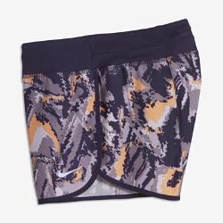 Беговые шорты для девочек школьного возраста Nike 7,5 смБеговые шорты для девочек школьного возраста Nike 7,5 см из влагоотводящей ткани обеспечивают комфорт во время пробежки.<br>