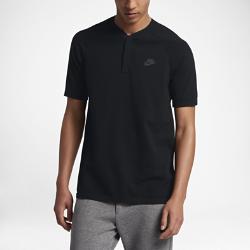 Мужская рубашка-поло Nike Sportswear Tech KnitМужская рубашка-поло Nike Sportswear Tech Knit из легкого трикотажа с перфорированной вставкой обеспечивает комфорт, тепло и воздухопроницаемость.<br>