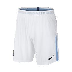 Мужские футбольные шорты 2017/18 Manchester City FC Vapor MatchМужские футбольные шорты 2017/18 Manchester City FC Vapor Match из легкой ткани с зональной вентиляцией и символикой клуба создают ощущение прохлады и комфорта.<br>