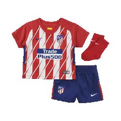 Футбольный комплект для малышей 2017/2018 Atl?tico de Madrid HomeФутбольный комплект для малышей 2017/18 Atl?tico de Madrid Home включает джерси, шорты и носки из комфортной дышащей ткани.<br>