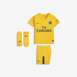 Футбольный комплект для малышей 2017/18 Paris Saint-Germain Stadium AwayФутбольный комплект для малышей 2017/18 Paris Saint-Germain Stadium Away включает джерси, шорты и носки из дышащей ткани для максимального комфорта.<br>