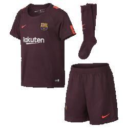 Футбольный комплект для дошкольников 2017/18 FC Barcelona Stadium ThirdФутбольный комплект для дошкольников 2017/18 FC Barcelona Stadium Third включает джерси с коротким рукавом, шорты и гетры из дышащей ткани с символикой клуба.<br>
