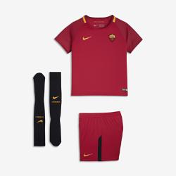 Футбольный комплект для дошкольников 2017/18 A.S. Roma Stadium HomeФутбольный комплект для дошкольников 2017/18 A.S. Roma Stadium Home включает джерси с коротким рукавом, шорты и носки из дышащей ткани с символикой команды.<br>