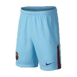 Футбольные шорты для школьников 2017/18 FC Barcelona Stadium Home/AwayФутбольные шорты для школьников 2017/18 FC Barcelona Stadium Home/Away обеспечивают комфорт без утяжеления во время похода на матч и простой прогулки по улице.<br>