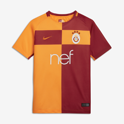 Футбольное джерси для школьников 2017/18 Galatasaray S.K. Stadium HomeФутбольное джерси для школьников 2017/18 Galatasaray S.K. Stadium Home из дышащей влагоотводящей ткани обеспечивает охлаждение и комфорт.<br>
