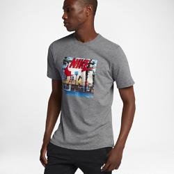 Мужская футболка Nike Sportswear Air PhotoМужская футболка Nike Sportswear Air Photo из мягкого и прочного хлопка обеспечивает комфорт на весь день.<br>
