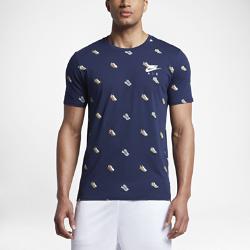 Мужская футболка Nike Sportswear Air MaxМужская футболка Nike Sportswear Air Max из мягкого и прочного хлопка обеспечивает комфорт на весь день.<br>